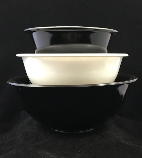 1990 Vintage Pyrex 322 323 325 Black And White Clear Bottom