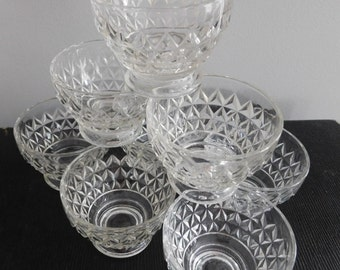 Vintage Clear Glass Diamond Cut Dessert Bowls, Ice Cream Bowls, Holiday Serving