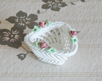 Capodimonte mid century small woven ceramic basket with roses triangle shape made in Italy