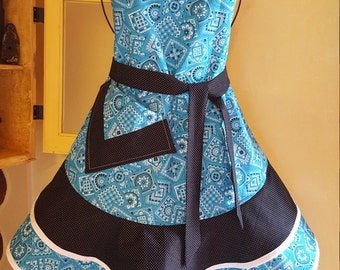 """FREE SHIPPING: Sassy Sister's """"Blue Kercheif"""" print hostess or cooking apron."""