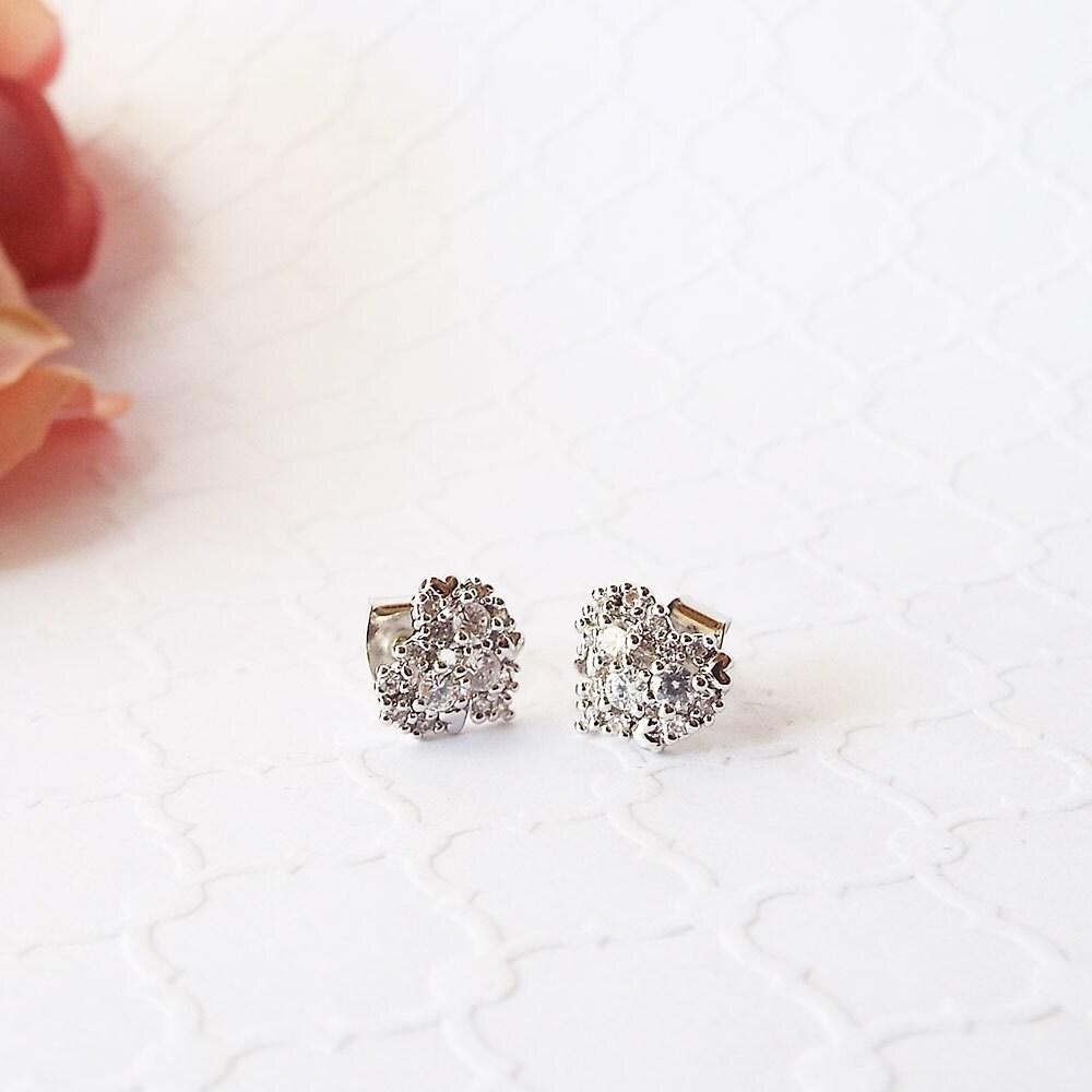 Diamond heart cluster Earring Cubic zirconia Earring Cute Heart shaped cz diamond cluster Studs CZ Heart Earrings