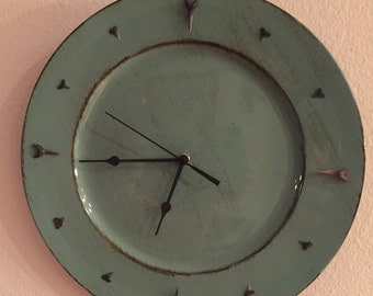 Shark's Tooth Plate Clock