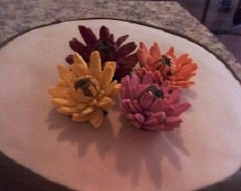 Edible cake toppers/Gerber daisies