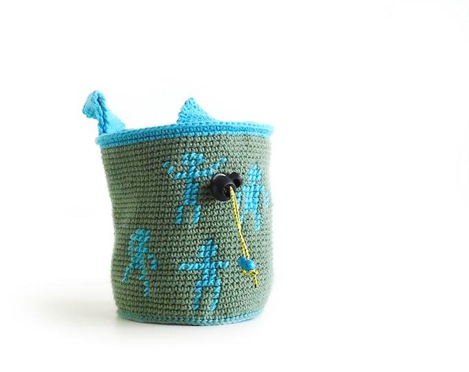 Chalk Bag. Climbing Gear and Climbing Equipment. Handmade Lightweight Chalk Bag. Crochet Chalkbag M Size