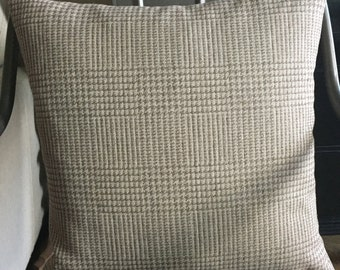"""18"""" x 18"""" Houndstooth Pillow Cover"""