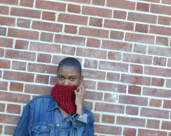 Red Dotty Cowl