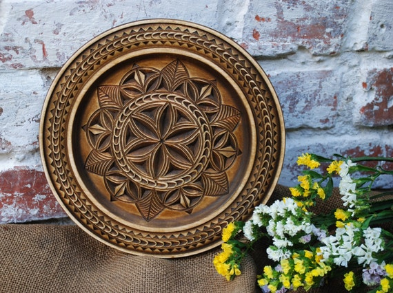 wooden decorative plate wall plate wooden wall decor carved. Black Bedroom Furniture Sets. Home Design Ideas