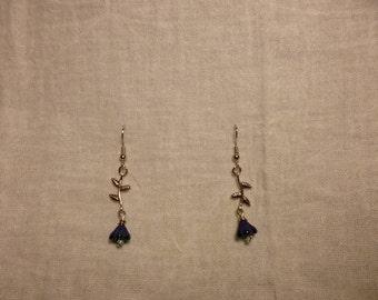 The Teachers Earrings in Iridescent Blue/Black