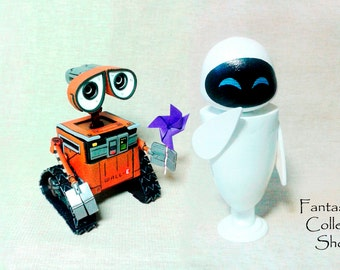 Robot Wall-E figurine Eva figure Eve figurine Walle Wallie Wall-E cartoon Little robots Droid