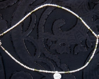 Pearl necklace with the silver/ pearl pendant
