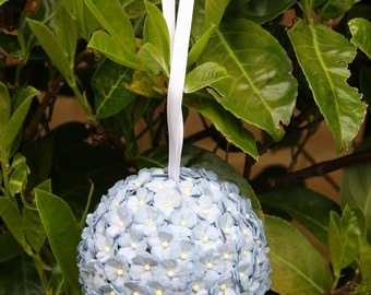Kissing Ball*Pomander. Wedding Bride or Bridesmaid Bouquet. 9cm Ball with Pale Blue Paper Daisies/Hydrangea