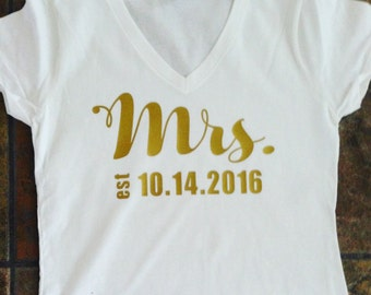 Mrs. Wedding V-neck T-shirt (customized)