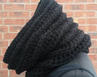 Black scarf, infinity scarf, scarf, circle scarf, crochet cowl, chunky scarf, womens scarf, knitted scarf, winter cowl, cowl neck, cowl