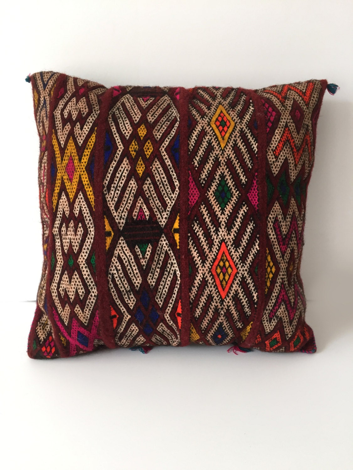 Throw Pillows Malum : Moroccan pillow Vintage Berber pillow Square Red pillow