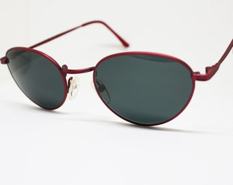 Red satin THINK PINK sunglasses glasses with black oval lenses, iridescent frame ful vue deadstock vintage 90s