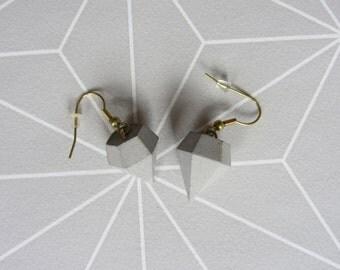 Concrete simple earrings diamonds