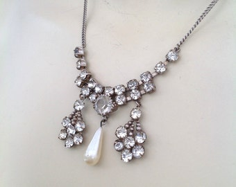 Vintage 1930s Art Deco necklace in diamante with faux pearl dropper