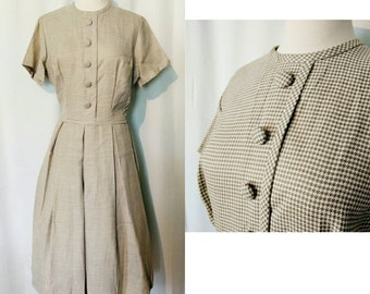 Vintage 50s Style Tan/White Houndstooth Print Dress With Buttons and Full Skirt