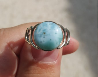 Very Unique Circle Shaped Ocean Blue Larimar Ring Size 9 Awesome Design Beautiful Stone