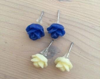 Pair of Tiny Flower Stud Earrings