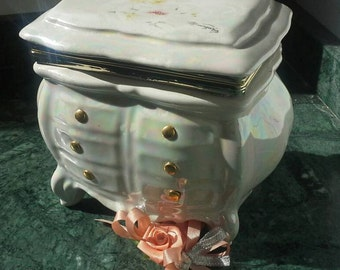 Vintage ceramic dollhouse chest, dollhouse dresser, jewelry box