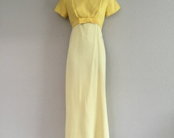 ON SALE 50s Jackie O column sheath dress with bow and train!!