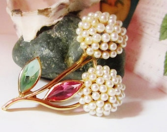 Vintage Coro Faux Pearls Flower Brooch