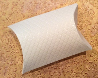 Ivory embossed quilt pattern textured pillow box favor gift wedding diy supplies