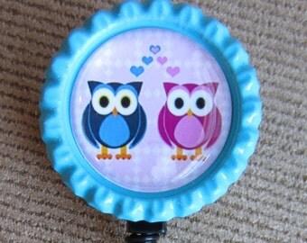 Owl retractable badge holder