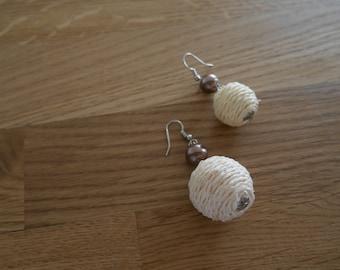 Earrings balls of yarn with beads - Thread ball earrings