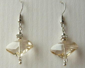 NICKEL-FREE earrings with soft amber glass pendants