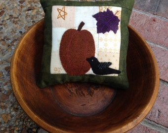 kit; Pumpkin and crow wool & cotton pincushion, bowl filler
