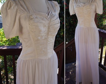 White DAHLIA 1930's 40's Vintage WWII Solid Pearly White Gown with a Sheer Top Layered Skirt // size Small Med