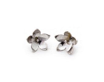 Silver Daisy Post Earrings