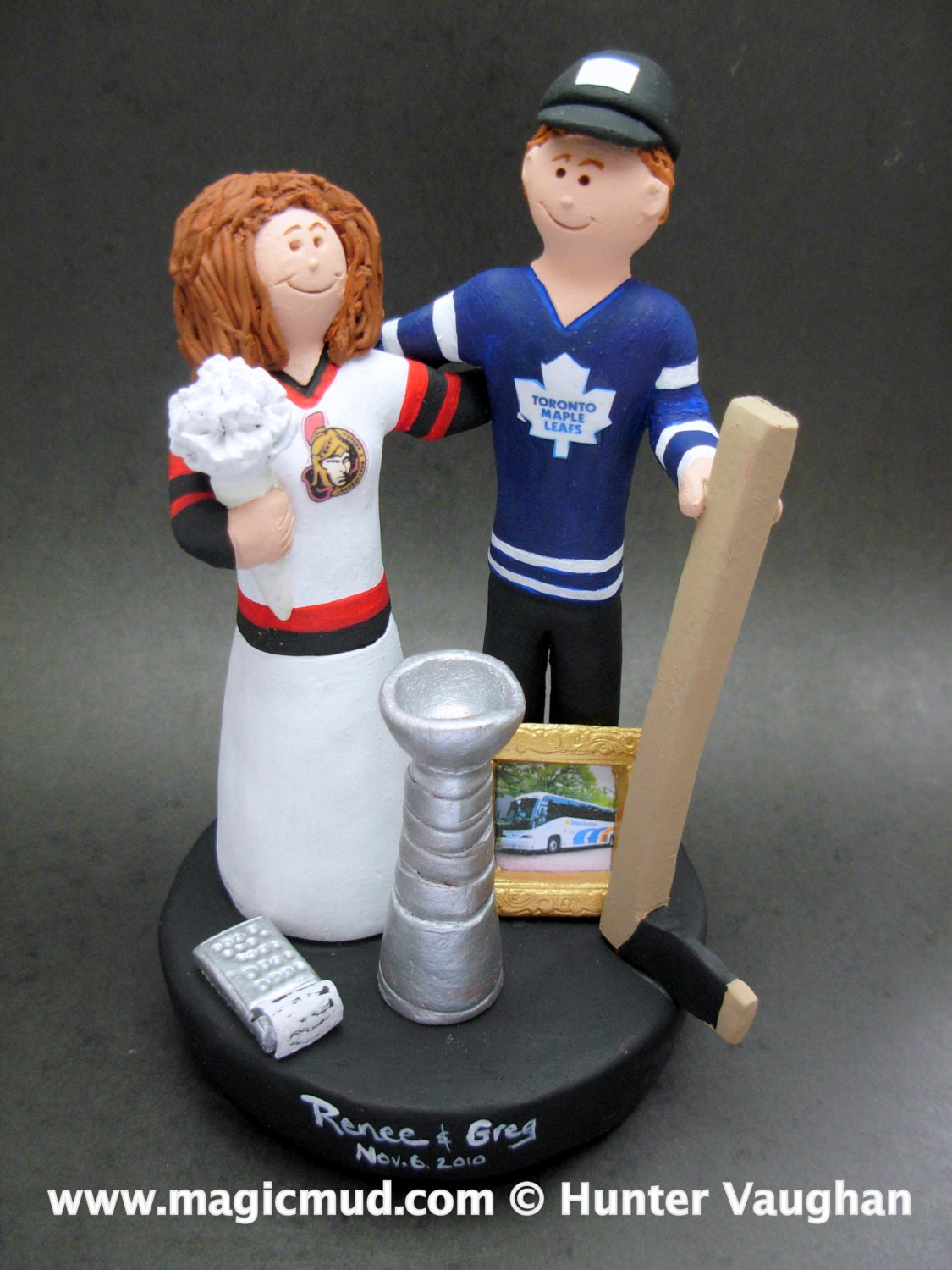 hockey player wedding cake topper spartans hockey wedding cake topper hockey and 15259
