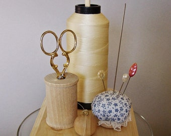 Wooden Thread Holder, Spool Holder with Pincushion and Scissor Holder