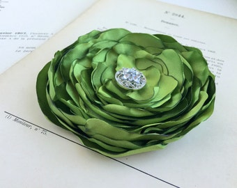 Peridot Green Flower Hair Clip.Brooch.Pin.Bridesmaid.Headpiece.Satin Flower.Wedding.corsage.hair piece.fascinator.fabric flower.pea green