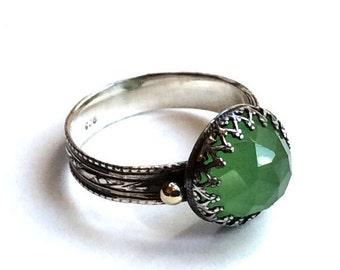 Jade ring, Textured band, Boho jewelry, green ring, gemstone ring, Sterling silver ring, SIilver gold ring, crown ring - Dark night R2112