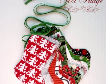 Christmas in July, Stocking Garland, Christmas Designer Fabrics, Double Sided, Green Ties