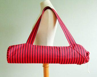 Yoga Bag. Yoga Gift for Friend. Red Striped Yoga Mat Bag. New Years Resolution. Yoga Mat Tote Bag. Yoga Mat Holder. Womens Yoga Gift