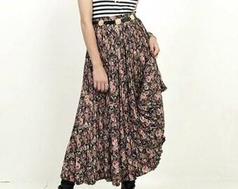 Vintage 80s/90s Floral Revival Print Festival Maxi Skirt - S/M