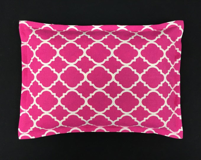 Corn Bag Heating Pad, Microwavable Heat Pack, Hot Cold Physical Therapy Bag, Massage Therapy, Spa Gift - Pink Quatrefoil