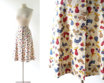 Vintage 70s Skirt / Chickens in the Orchard / Novelty Print Skirt / 24W XXS