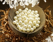 Set of 80 Round Plastic Faux Pearl Beads - Creamy Off White (9mm)