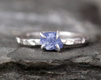Uncut Raw Blue Sapphire Ring - Rough Blue Sapphire - Sterling Silver Hammered Texture - September Birthstone Ring - Raw Blue Gemstone Ring