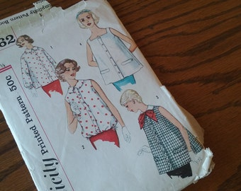 1960's Maternity Tops Pattern - Simplicity 2562