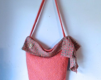 Handbag purse, handwoven Irish Ireland wool tweed,  new, lined with pockets, magnetic snap closure, shoulder strap, beautiful quality