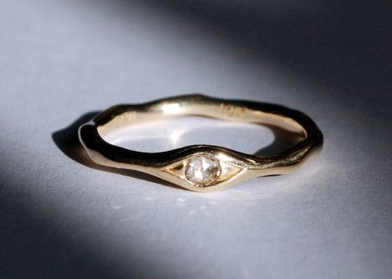 10k Gold and White Chakri Diamond Eye Ring
