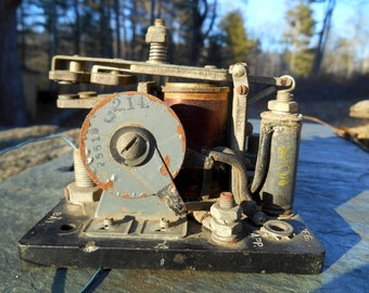 Antique 40s WWII aircraft relay switch Leece Neville Co U.S. army air force industrial metal machine guts on plaque mechanical part supply