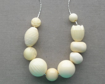 ivories necklace - vintage lucite